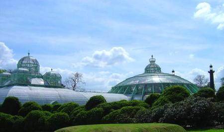 View on the Royal Greenhouses | © Joris Van Grieken/WikiCommons