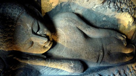 Reclining Buddha - Cave 26 | © Jayesh Paranjape - Western Routes