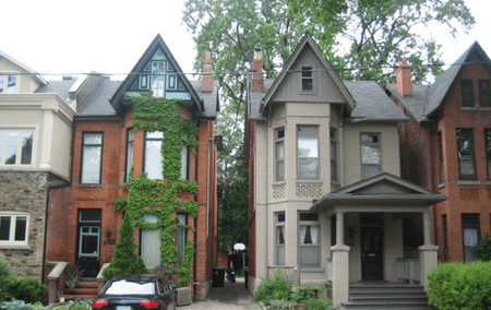 Bay-and-gable houses in The Annex | © SimonP/Wikicommons