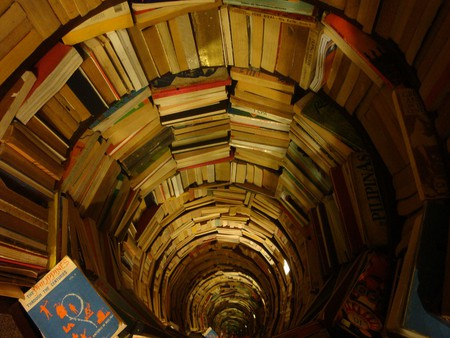 Endless Books | © Bonni Rambatan/Flickr