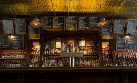 Bar Area _ © Henry Veloso