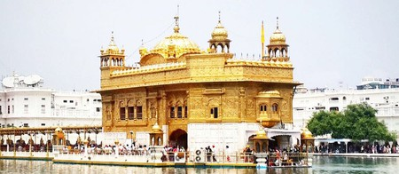 The Golden Temple in its full glory under the afternoon sun | © Darshita Thakker