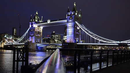 Tower Bridge England  © TreptowerAlex / Pixabay