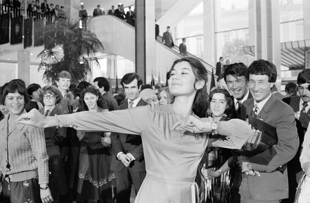 Dancing during a break between sessions of the 19th Komsomol (the main youth Communist organization) congress (1982)   © RIA Novosti archive, image #535377/Boris Kaufman/CC-BY-SA 3.0/WikiCommons