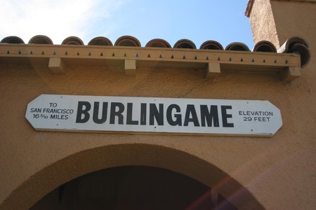The CalTran Train Station in Burlingame, California   © Roland Tanglao/Flickr