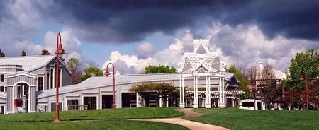 City Hall © Bill Larkins/Wikipedia