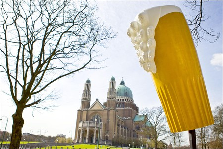A huge beer in Brussels demonstrating the pride Belgians take in their brewing abilities | © E.Danhier, courtesy of visit.brussels.com