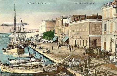Postcard of Smyrna before 1922 | © Unknown/WikiCommons