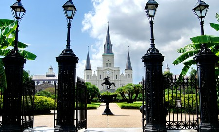 Outside the St. Louis Cathedral|© Susan C. Griffin /WikiCommons