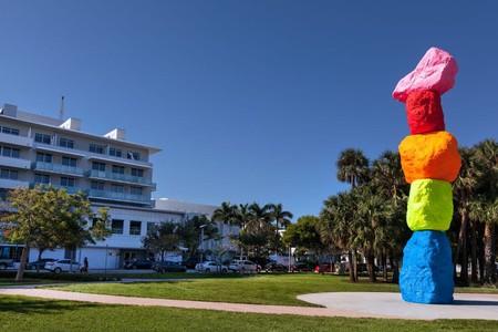 Ugo Rondinone's 'Miami Mountain' at The Bass, Miami. © The Bass