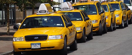 Yellow Cabs In New York |© ChevronZ/WikiCommons