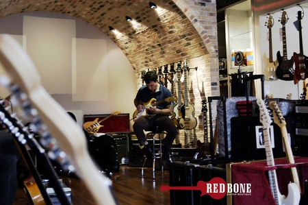 Redbone Guitar Boutique | © H. Michael Karshis/Flickr