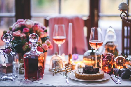 Have a romantic dinner | © Kaboompic // Karolina / Pexels