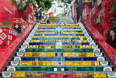Escadaria Selaron, the famous steps in Lapa |© vincentraal/Flickr