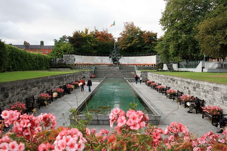Dublin's Garden of Remembrance   © Sir James/WikiCommons