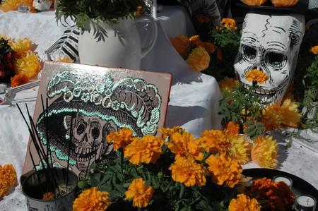Calavera Catrina and cempasúchiles | © Martha Jimenez/Flickr