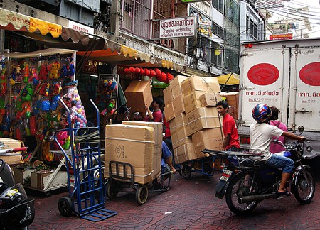 Street chaos. Bangkok. Courtesy of Bernard Spragg. NZ