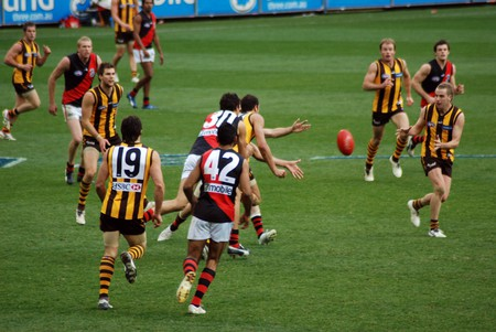 Ball is in dispute in Hawthorn-Essendon AFL match | © Tom Reynolds/WikiCommons