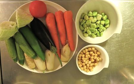 Couscous preparation   © Mandy Sinclair