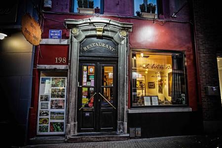 Le Wine Bar des Marolles | Courtesy of Le Wine Bar des Marolles