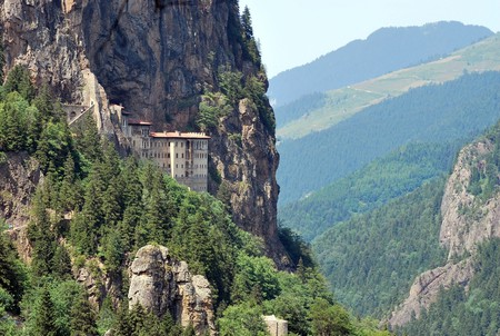 Held by the mountain Sumela Monastery © Sadik Gulec / Shutterstock