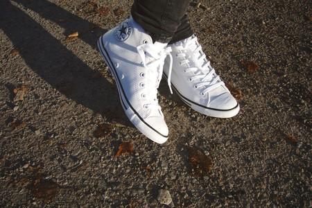 White sneakers © Maria Morri/Flickr
