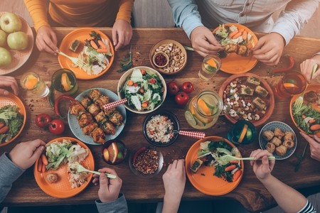 A typical Thanksgiving dinner | © gstockstudio / Shutterstock