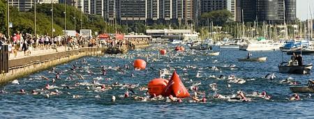 2007 Chicago Triathlon Swimmers | © WikiCommons