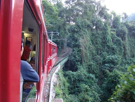 The train up Corcovado |© Rodrigo Soldon/WikiCommons
