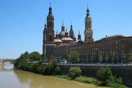 Visit the Basílica de Nuestra Señora del Pilar in Zaragoza