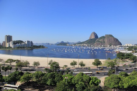The beach at Botafogo |© Halley Pacheco de Oliveira/WikiCommons