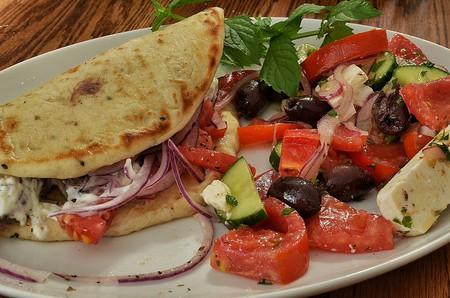 Gyro with Greek salad   © jeffreyw/Flickr