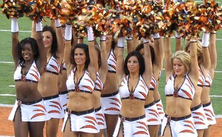 Cincinnati Bengals cheerleading squad © Wikimedia Commons