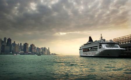 Hong Kong harbour views are awesome (c) Bernard Spragg / Flickr
