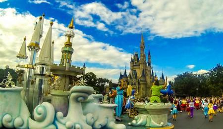 Disney World Parade - Magic Kingdom © Super Silly Fun Land / Flickr