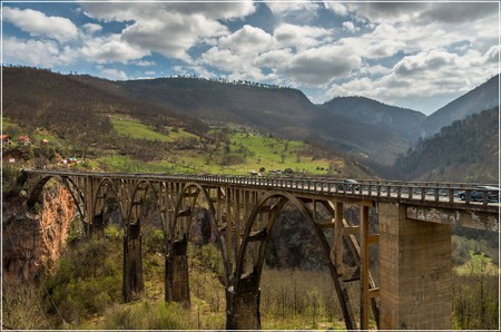 Majestic Tara Bridge | © Arno Hoyer / Flickr