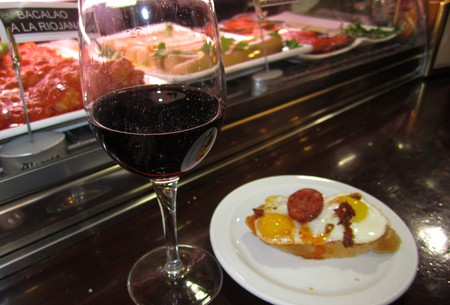 Enjoying Madrid like a local is often related to eating and drinking  | © Lori Zaino