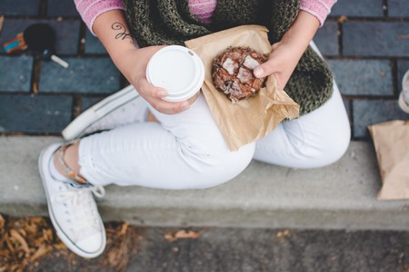 Sweet treat and coffee | © Sarah Swinton / Unsplash