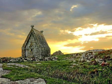 St. Macdara's Oratory | © Ronan Browne / Panoramio