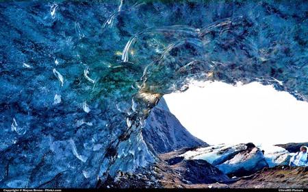 Unique look into Icelandic glacier | © Moyan_Brenn / Flickr