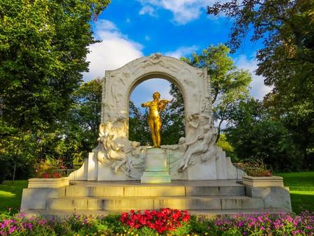 Statue of Strauss in Stadtpark    © Kiefer / Flickr