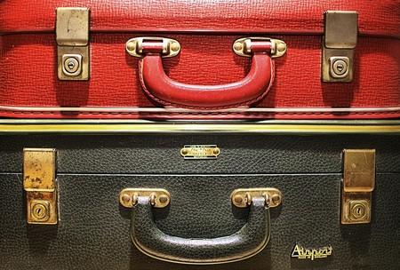"""<a href=""""https://www.flickr.com/photos/16210667@N02/24809719959"""" target=""""_blank"""">Luggage   © Craig Sunter / Flickr</a>"""