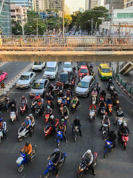 Bangkok Traffic    © Joe deSousa / Flickr