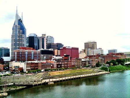 Downtown Nashville Riverfront   © Brad Montgomery / Flickr