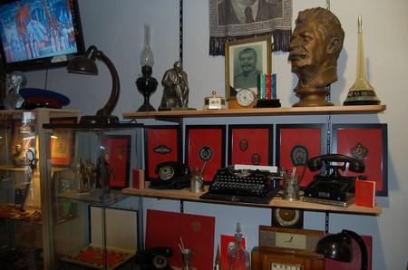 Display at KGB Museum   | © Bonnie Ann Cain-Wood / Flickr