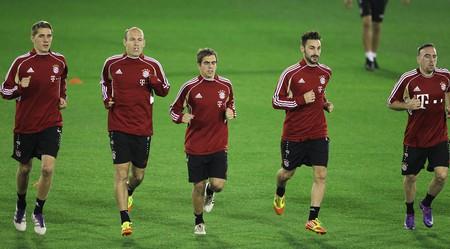 FC Bayern Munich players warm up before a preseason match | © WikiCommons