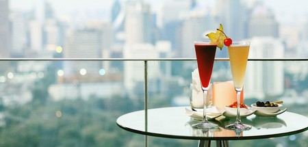 Beautiful rooftop bar in Bangkok | © ARTFULLY PHOTOGRAPHER/Shutterstock