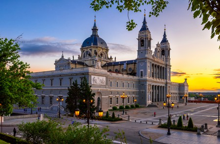 Cathedral Santa Maria la Real de La Almudena in Madrid, Spain| © Catarina Belova/Shutterstock