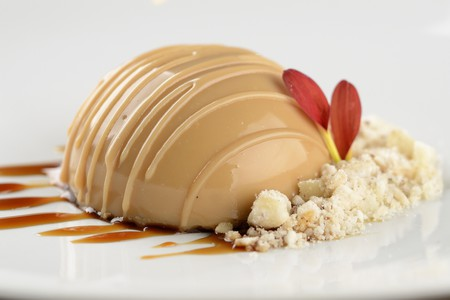 Rapadura mousse with priprioca and coffee