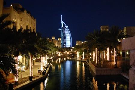 View of the Burj Al Arab from Madinat Jumeirah   ©Leonardo Aguiar / Flickr flickr.com/photos/sensechange/1881981261